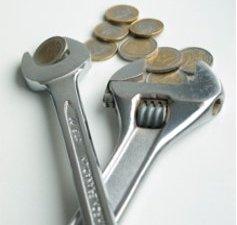 Klucze hydrauliczne i monety